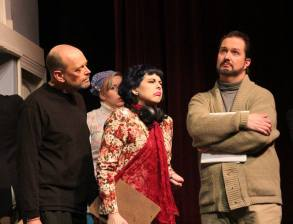 USP Noises Off Pic by Jim Palmer 07