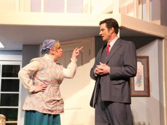 USP Noises Off Pic by Jim Palmer 09