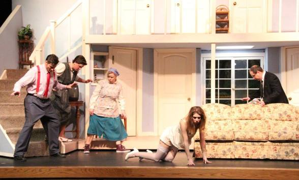 USP Noises Off Pic by Jim Palmer 13