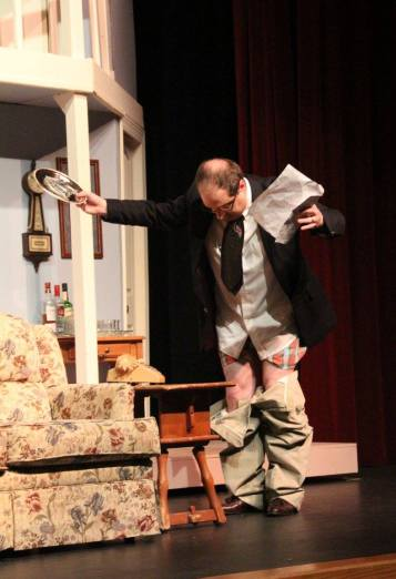 USP Noises Off Pic by Jim Palmer 18